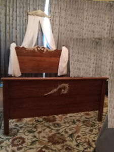 GORGEOUS Oak ANTIQUE Hand Carved Bed w/ Rails, Footboard, Swag