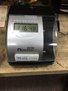 ES 700 / TIME CLOCK / PUNCH CLOCK /500 TIME CARDS FREE