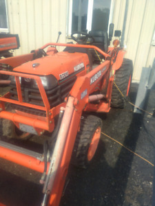 WANTED Kubota B2710 or B2910 with loader