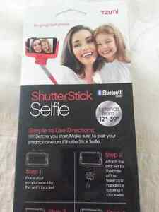 Phone Bluetooth   selfie stick..BEST OFFER