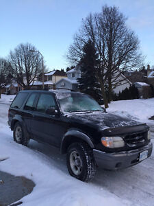 2000 Ford Explorer Sport LOW KM/SUNROOF