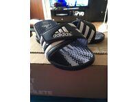 BNWT Adidas santiassage slides size 5