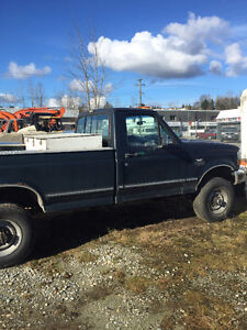 1996 Ford F-350 Pickup Truck selling for parts