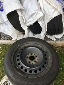 2 pneu hiver excellent condition 205/55R16 * Starfire* , 4 jant