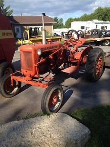 1942 Allis Chalmers 4 cyl Farm Tractor