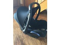 Isofix family fix base and maxi cost car seat £100