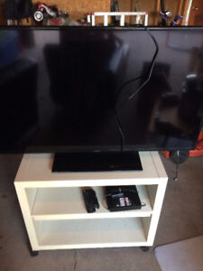 """Reduced Insignia 48"""" with Sony Blue Ray DVD and Stand"""