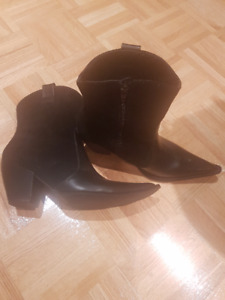 Dumond leather & suede boots. Never Worn.