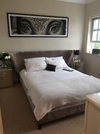 AMAZING DBL ROOM IN TOWNHOUSE WITH EN-SUITE & WALK IN WARDROBE. ALL BILLS INCLUDED