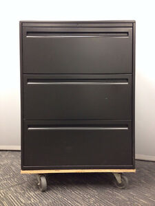 Filing cabinet Haworth 950 charcoal 30in -3 drawer $300