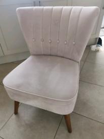 Dunelm Isla Velvet Blush Pink Chair