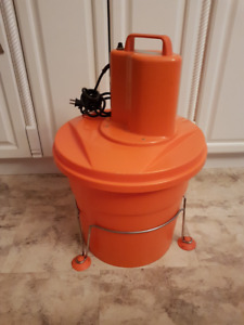 DYNAMIC COMMERCIAL ELECTRIC SALAD SPINNER 5 GAL NEAR NEW FRANCE