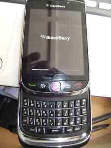 blackberry torch 9800 Unlocked Good shape working well