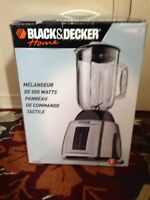 Black & Decker 600w Touchpad blender