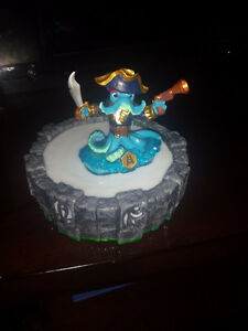 like new skylanders figures and 2 portals wired & wireless Cambridge Kitchener Area image 1