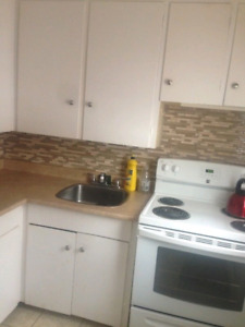 June 1st 1 bedroom. Heat and hot water incl.