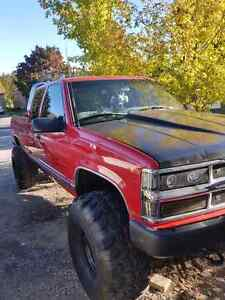 """""""BIG RED """" 98 chevy silverado lifted with 410 gears  Peterborough Peterborough Area image 1"""