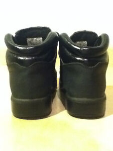 Women's Timberland Camo Boots/Shoes Size 5 London Ontario image 2