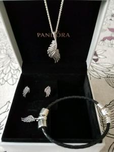 Pandora ensemble ailes plumes