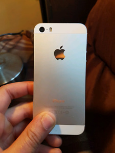 IPhone 5s 16gb silver ** Bell / Virgin **