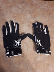Neumann Tackified Cowhide Receiver Football Gloves
