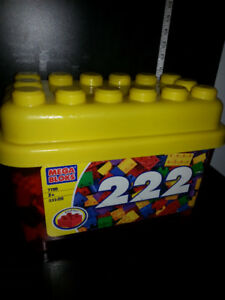 222 MEGA BLOKS IN CONTAINER (CLEAN) TOY