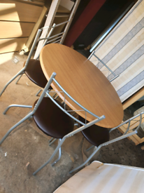 Table and 4 chairs. Good condition. Delivery available extra