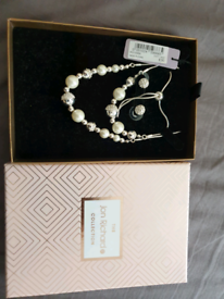 Ladies jewellery gift set from The Jon Richard collection
