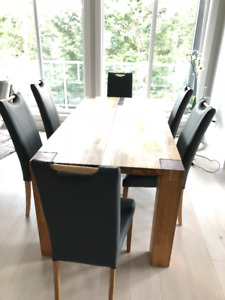 Dinning Table with 6 Leather Chair's