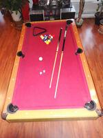 Pool table / table de billard