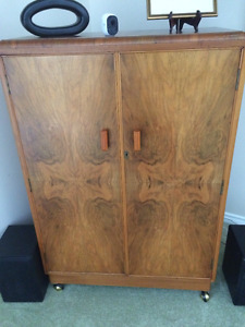 Beautiful cabinet converted for stereo/TV