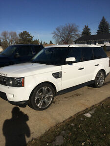2011 Land Rover Range Rover Sport SUPERCHARGED !