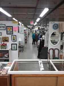 Canada's largest antique mall 600 booths to explore  Belleville Belleville Area image 2