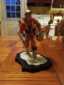 Star Wars: Animated Luke Skywalker X-Wing Maquette