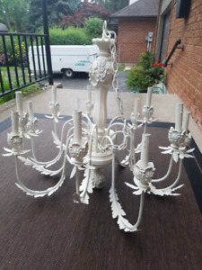 Large Victorian style 12 light chandelier