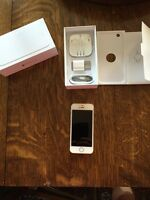 iPhone 5S 16 GB MINT Condition Gold Back