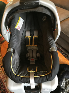 Infant Car Seat with Baby Mirror included!