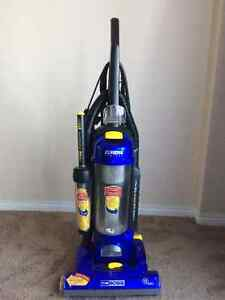 Selling Eurika Bagless vacuum cleaner in excellent condition Edmonton Edmonton Area image 5
