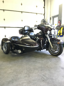 HARLEY DAVIDSON ELECTRA GLIDE ULTRA CLASSIC WITH  SIDE CAR