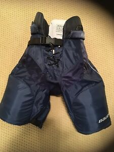 Junior Bauer Hockey Pants and Shoulder Pads