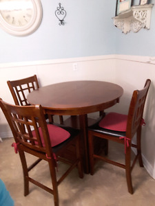 wood kitchen table set-4 Chairs included