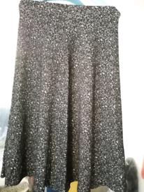 Grey/White 3/4 length skirt