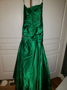 Emerald green prom formal mermaid gown