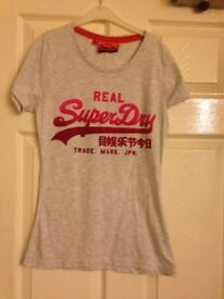 Superdry T Shirt - Small