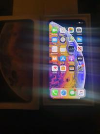 APPLE IPHONE XS 64GB BLACK AND WHITE UNLOCKED