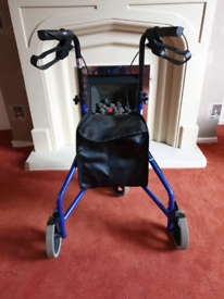 Tri-wheel Walker Used - Bargain £25 ovno