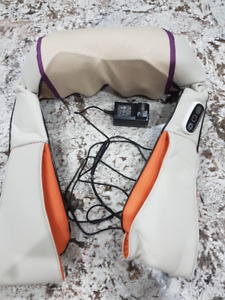 CAREPEUTIC NECK AND SHOULDER MASSAGER WITH HEATED THERAPY.