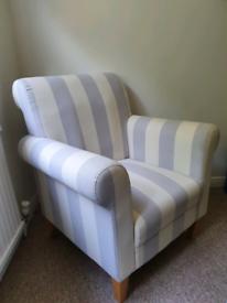 Arm chair / Nursing chair