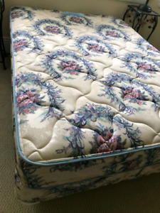 Sommex Maritime Chiropedic Double mattress and box spring