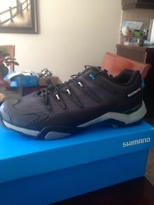 Shimano clip in race shoes. 10.5size